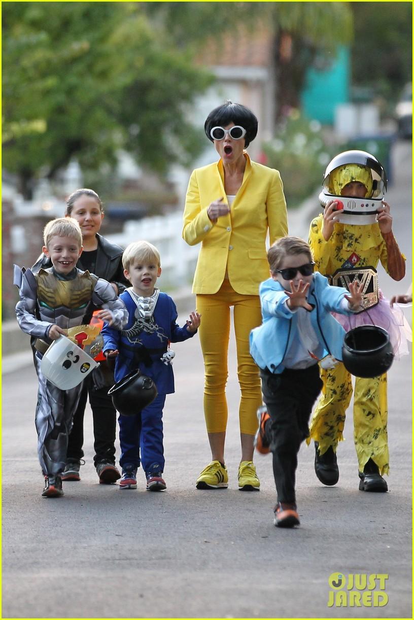 julie bowen psys sidekick halloween costume 032984324