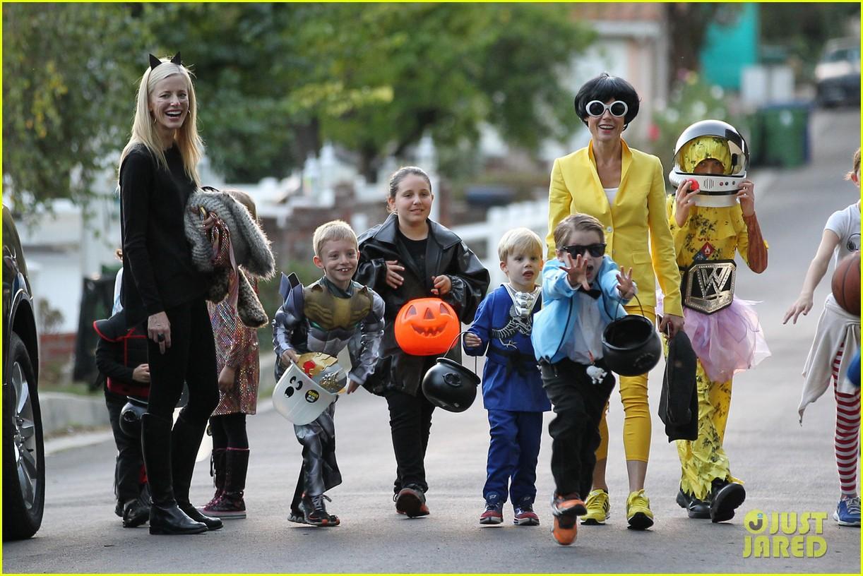 julie bowen psys sidekick halloween costume 052984326