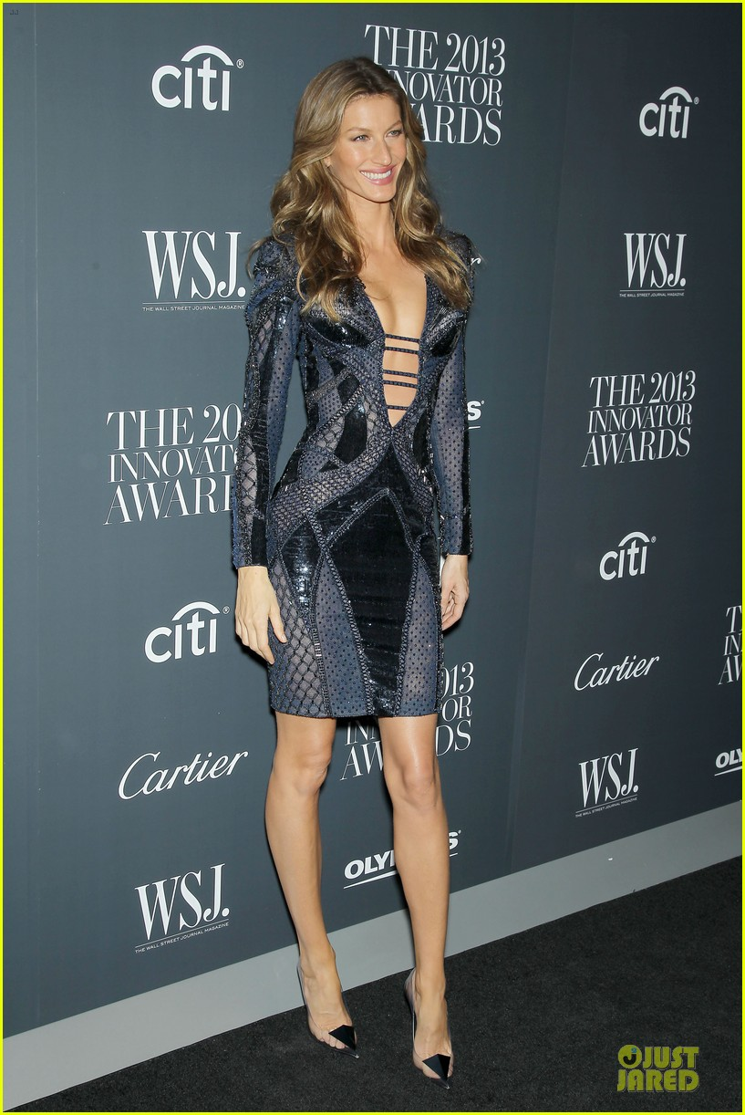 gisele bundchen plunging neckline at wsj magazine awards 142987251