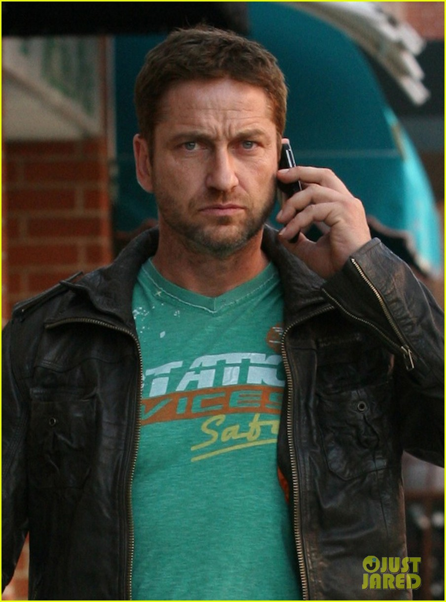 gerard butler get olympus has fallen on black friday 023000916