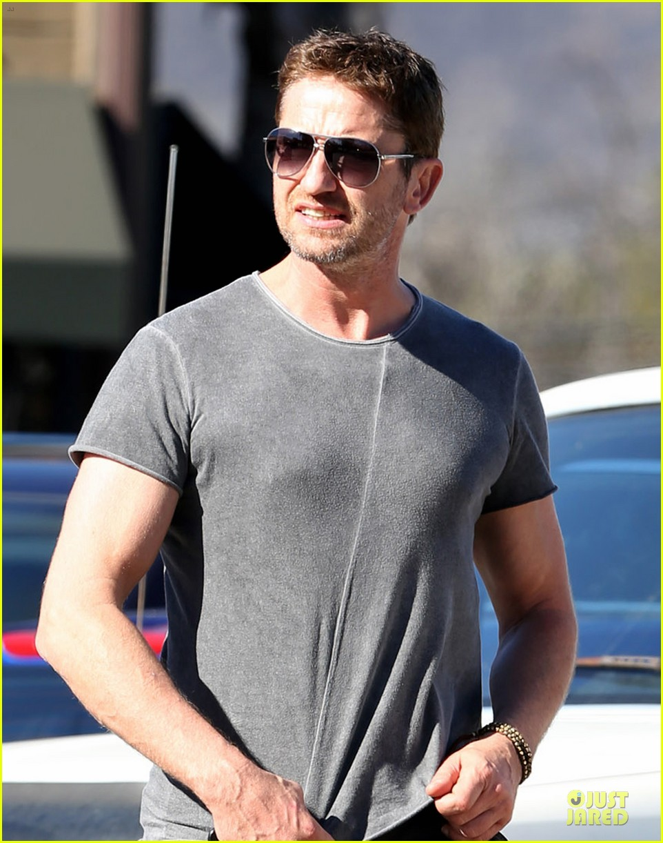 gerard butler i cried thinking acting would never happen 022988601