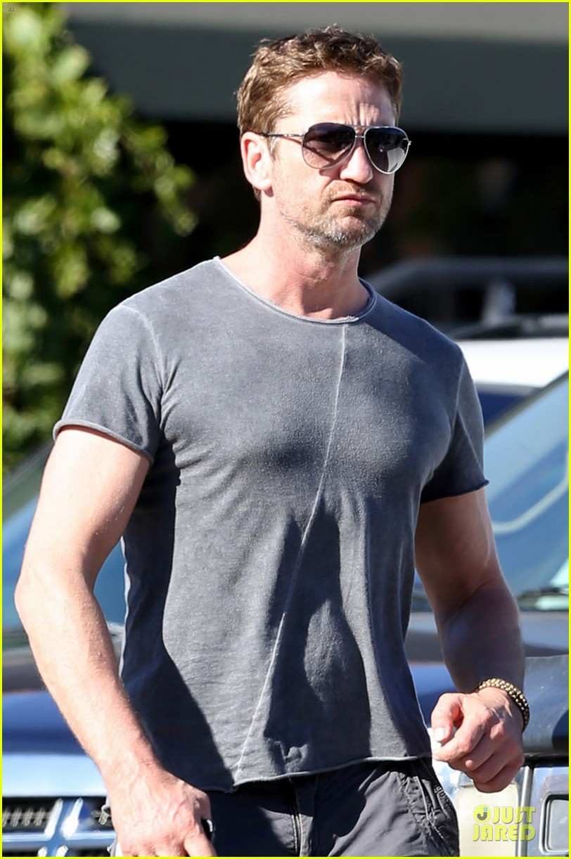 gerard butler i cried thinking acting would never happen 04