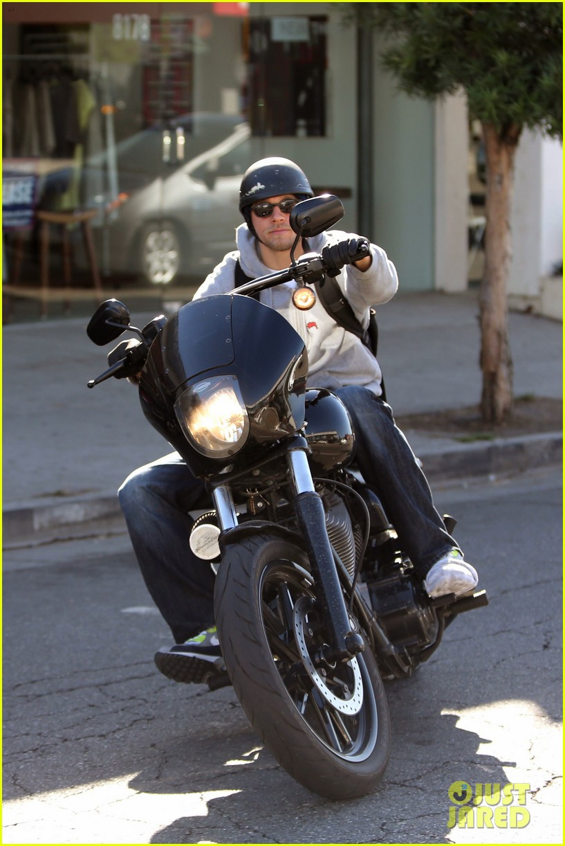 charlie hunnam west hollywood motorcycle man 032985611