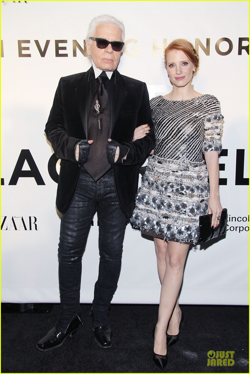 jessica chastain honors karl lagerfeld 012987306