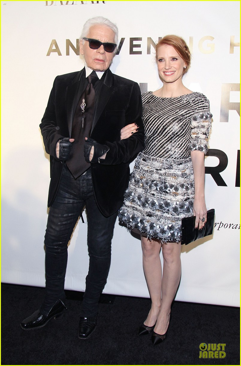 jessica chastain honors karl lagerfeld 062987311