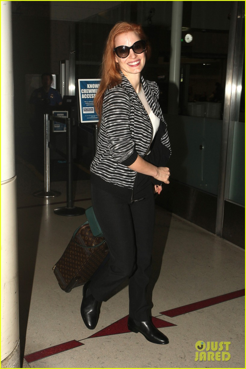 jessica chastain late night lax arrival 062985915