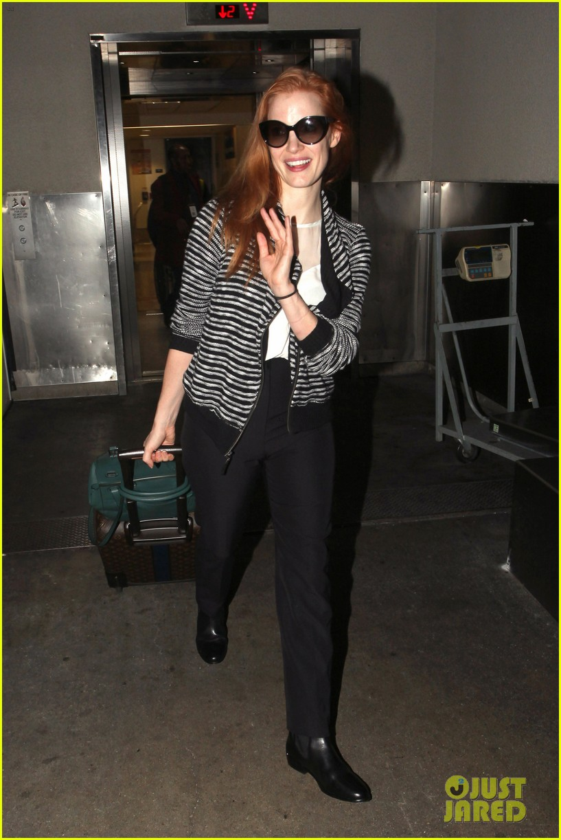 jessica chastain late night lax arrival 072985916