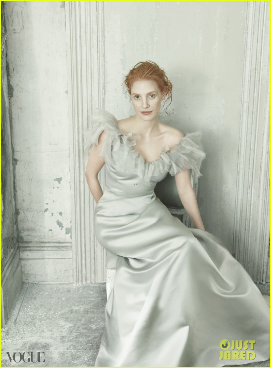 jessica chastain covers vogue december 2013 02