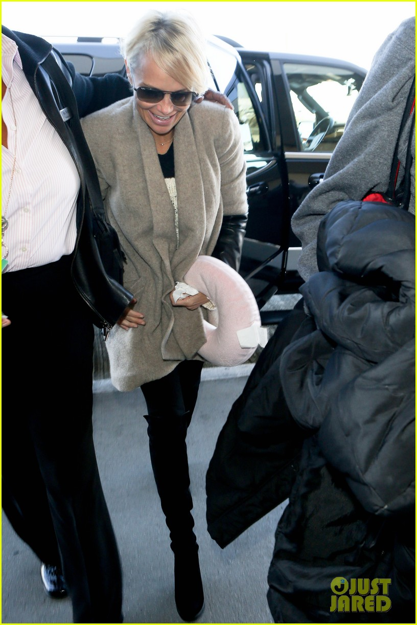 kristin chenoweth happy to be back in new york 063000656
