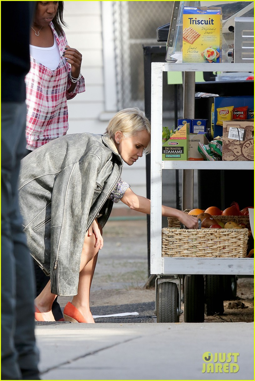 kristin chenoweth snacks during fun day at work 072995943