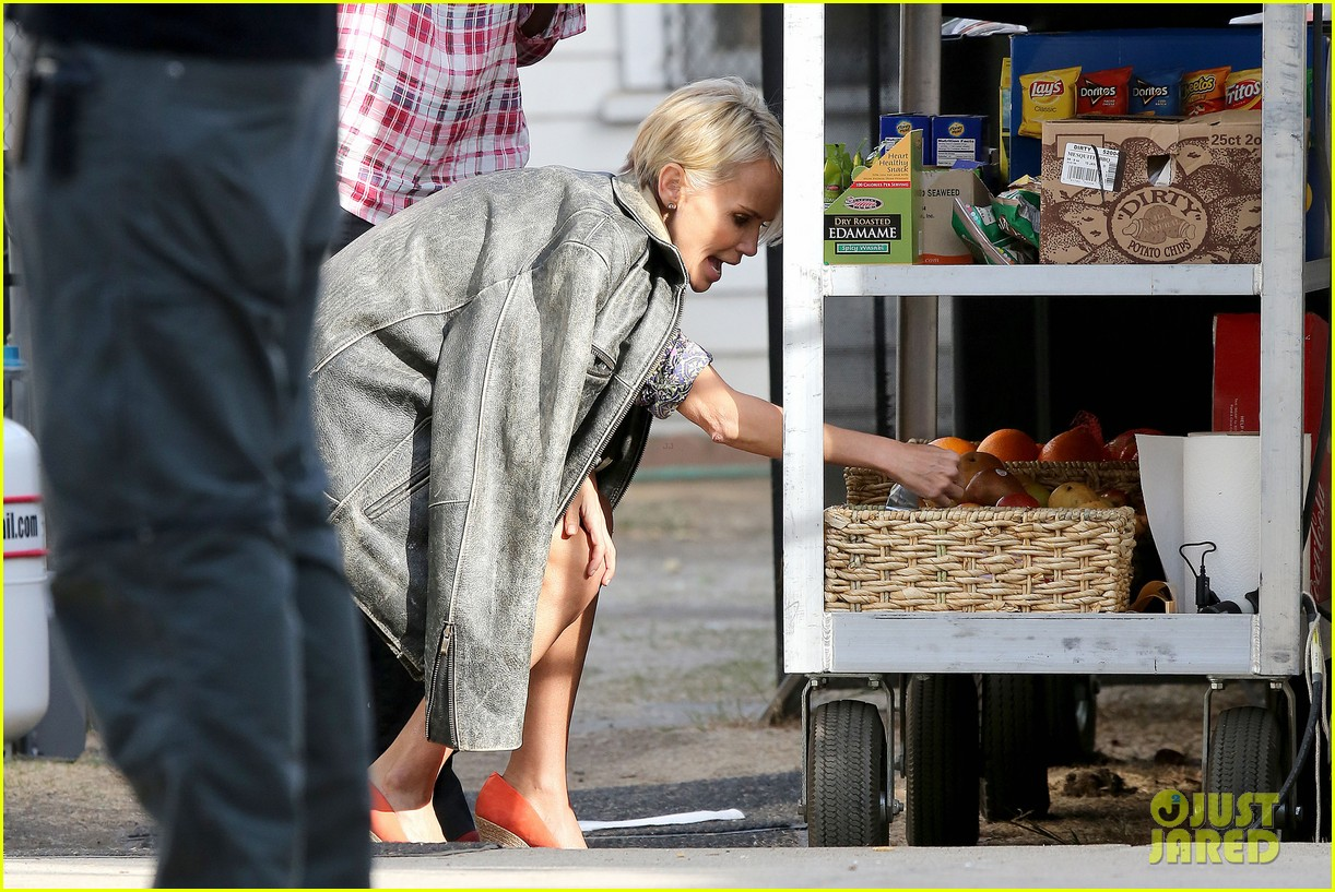 kristin chenoweth snacks during fun day at work 082995944