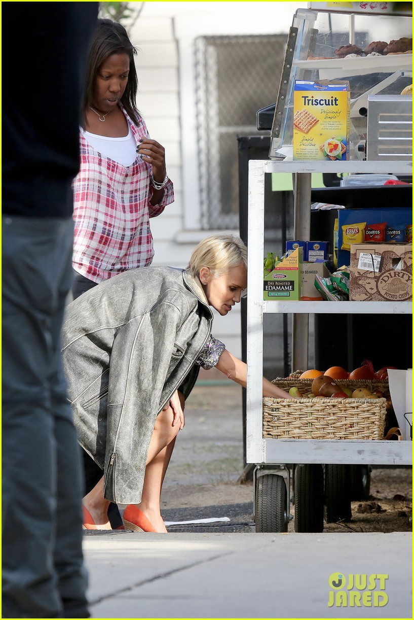 kristin chenoweth snacks during fun day at work 152995951