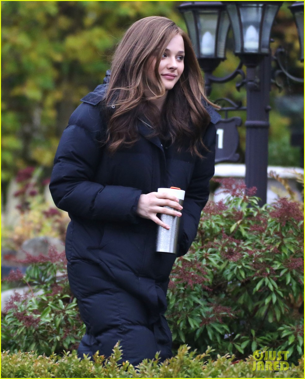 chloe moretz early morning filming for if i stay 012988120