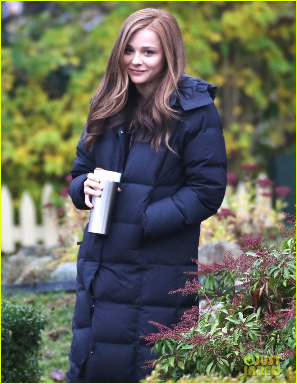 chloe moretz early morning filming for if i stay 04