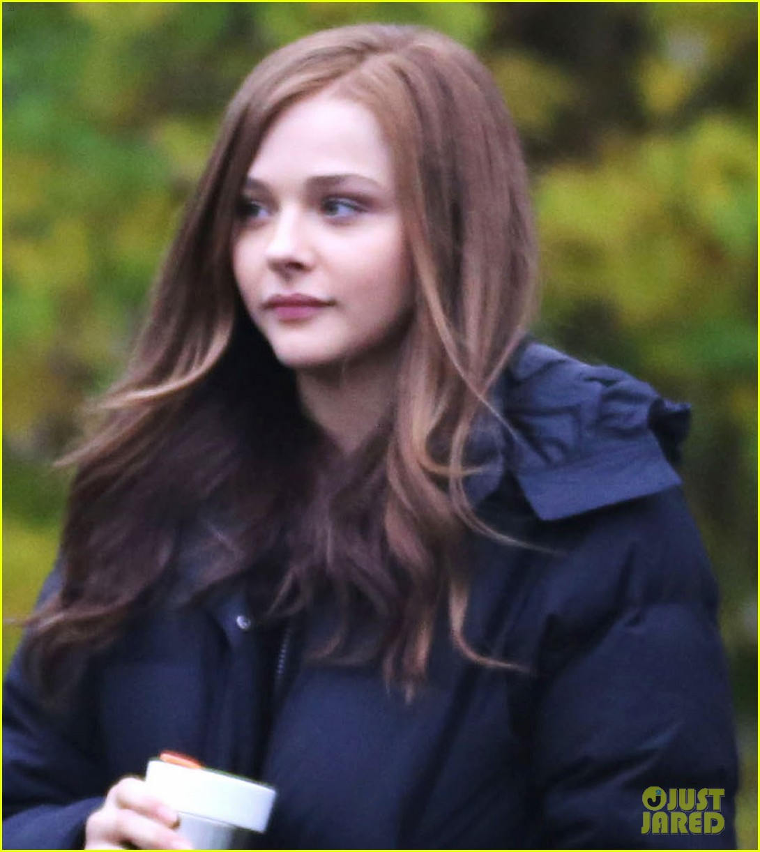 chloe moretz early morning filming for if i stay 072988126