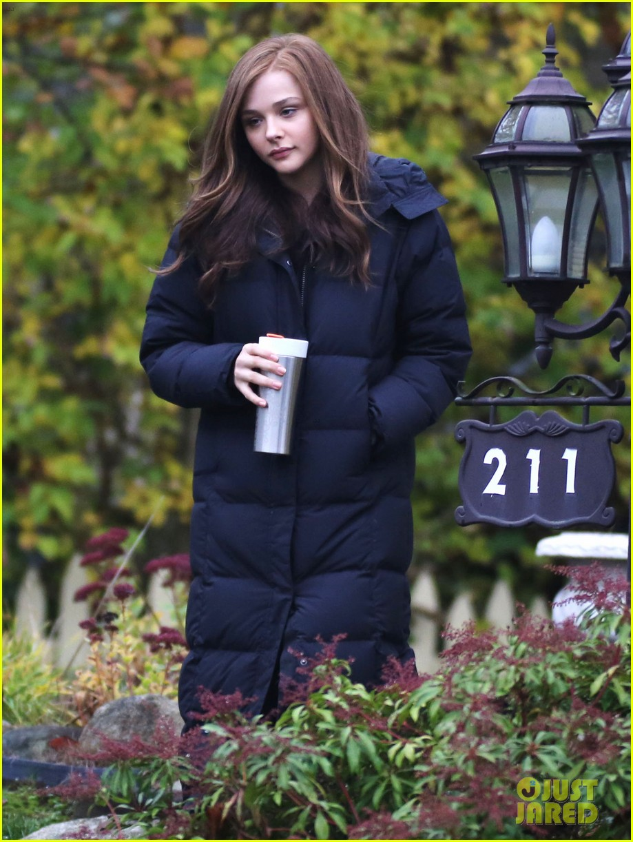 chloe moretz early morning filming for if i stay 092988128