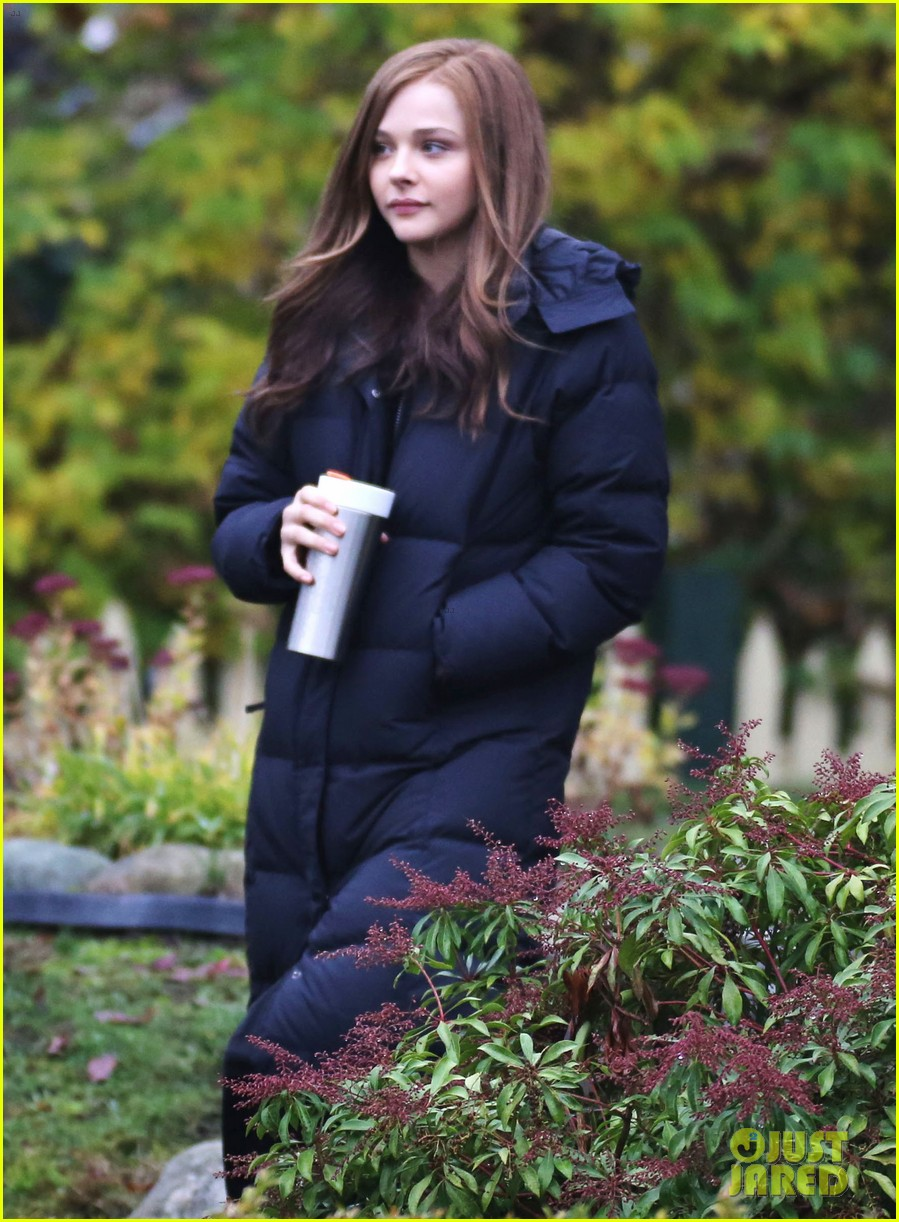 chloe moretz early morning filming for if i stay 102988129