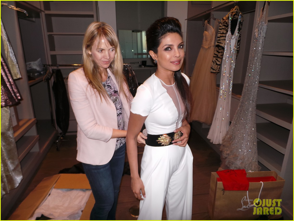 priyanka chopra just jared spotlight of the week behind the scenes pics 132992810