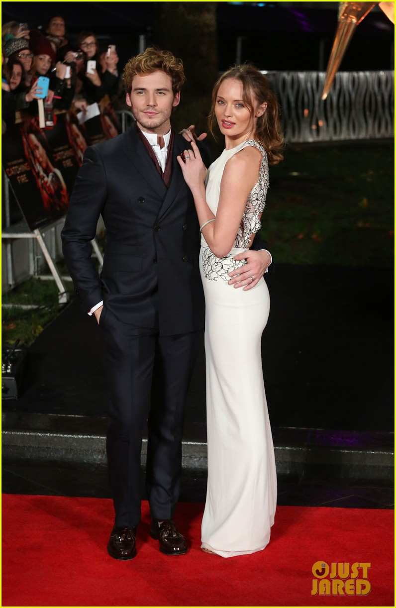 sam claflin willow shields catching fire london premiere 012990418