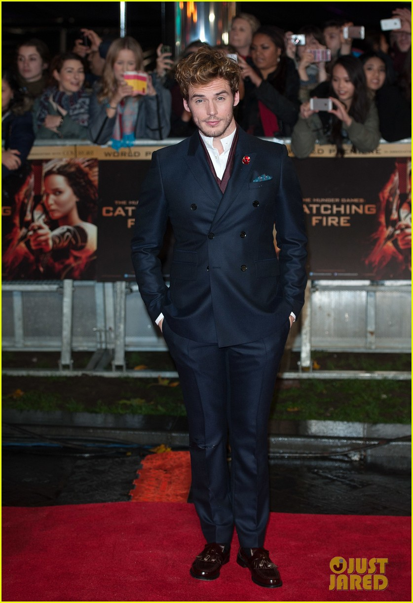 sam claflin willow shields catching fire london premiere 142990431