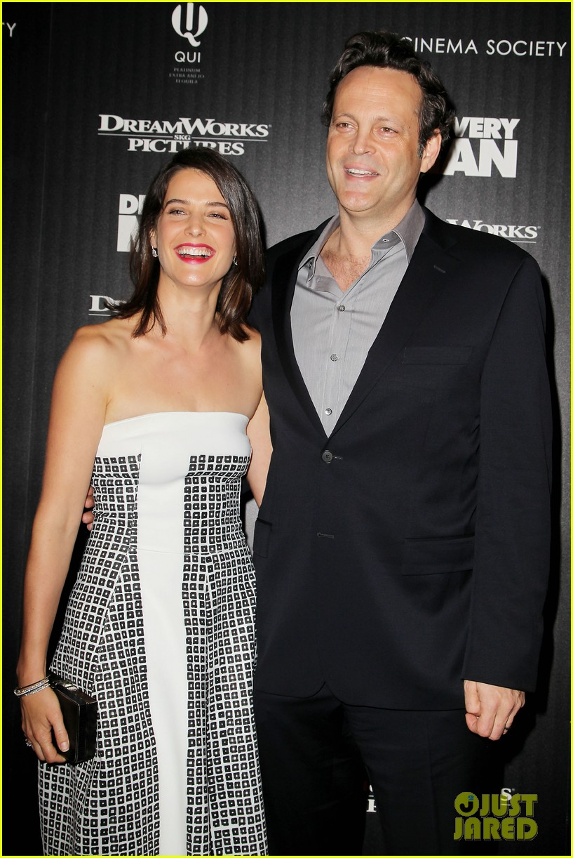 cobie smulders delivery man premiere with vince vaughn 032995132