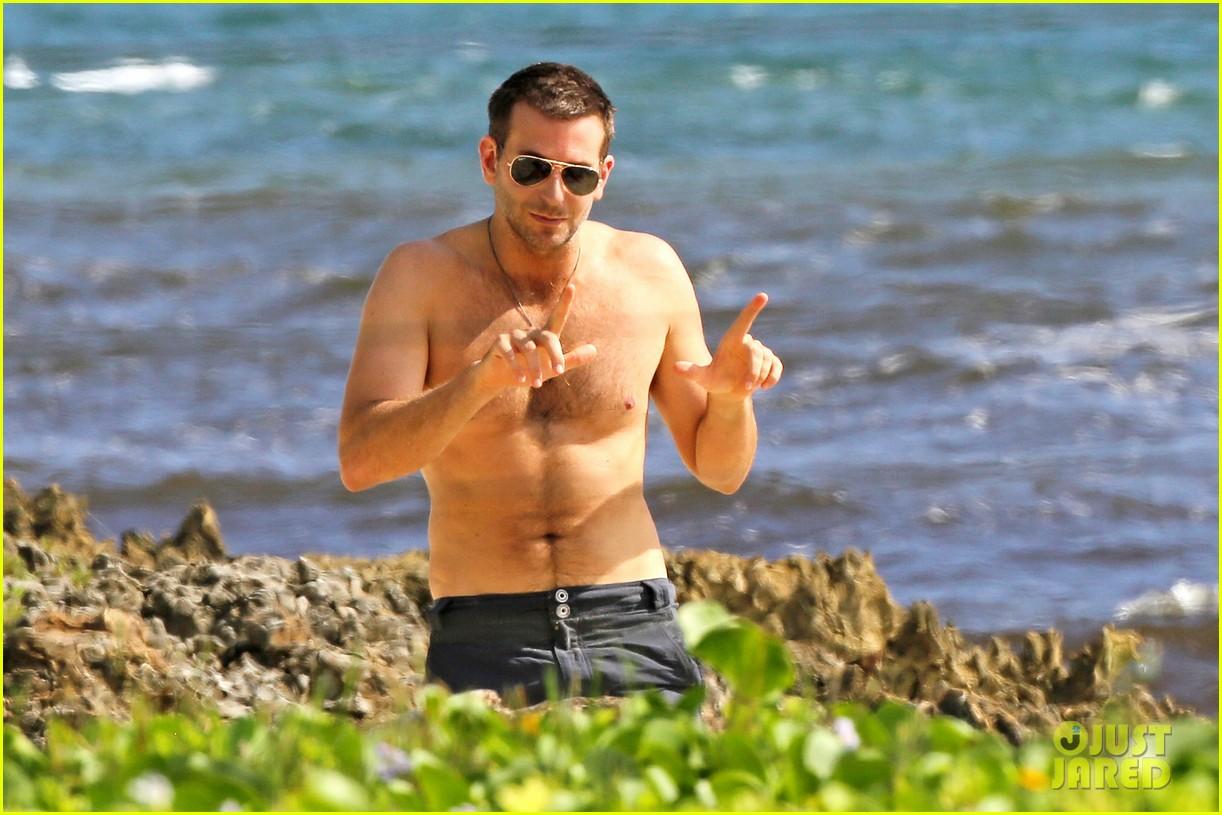 bradley cooper shirtless with john krasinski pregnant bikini clad emily blunt 082996548