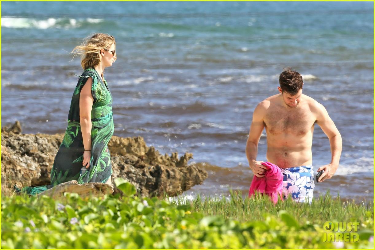 bradley cooper shirtless with john krasinski pregnant bikini clad emily blunt 122996552