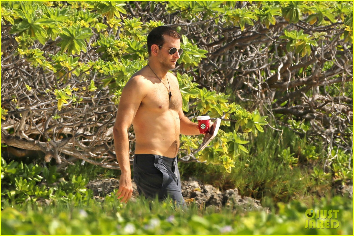 bradley cooper shirtless with john krasinski pregnant bikini clad emily blunt 25