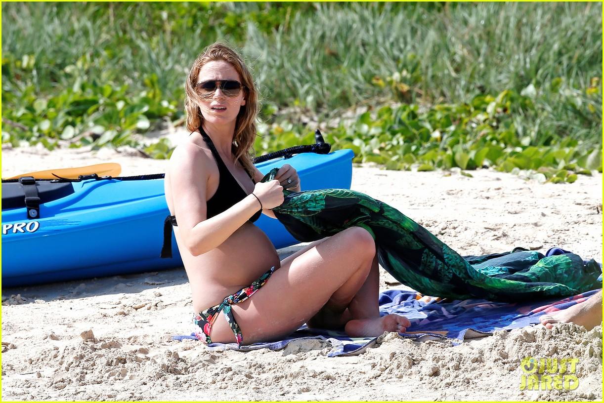 bradley cooper shirtless with john krasinski pregnant bikini clad emily blunt 362996576