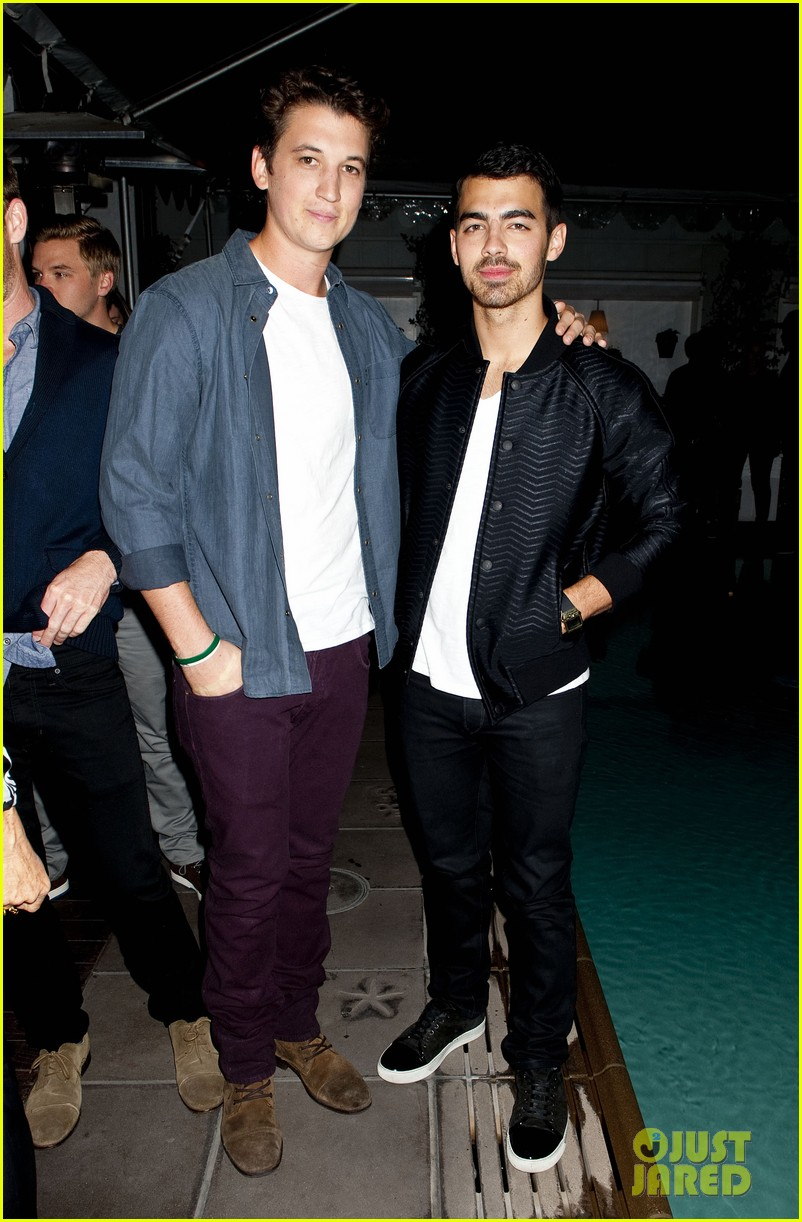 darren criss michael b jordan blue jeans go green party 092987391