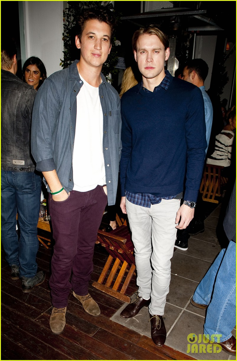 darren criss michael b jordan blue jeans go green party 102987392