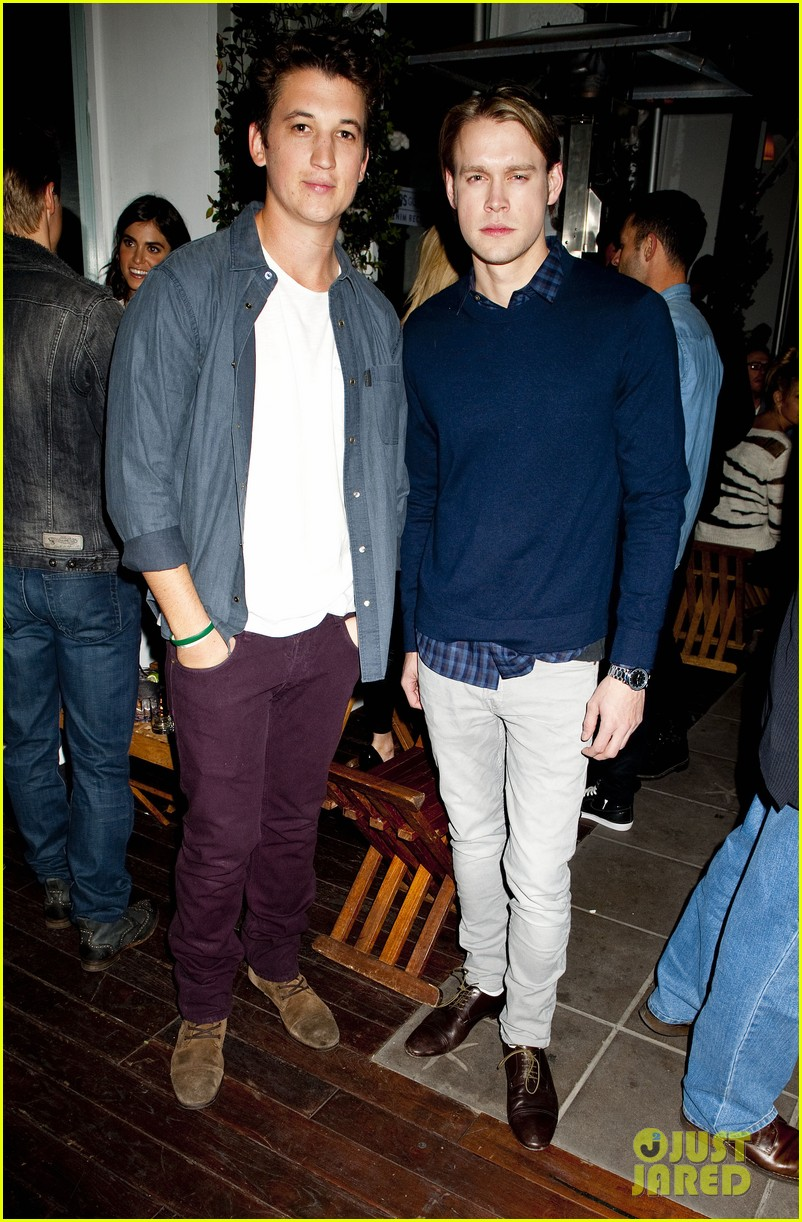 darren criss michael b jordan blue jeans go green party 122987394