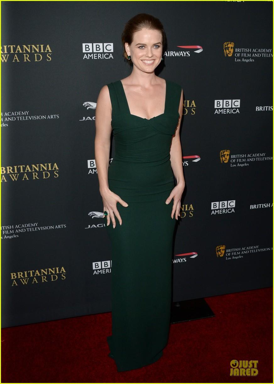 benedict cumberbatch alice eve bafta britanna awards 2013 red carpet 03