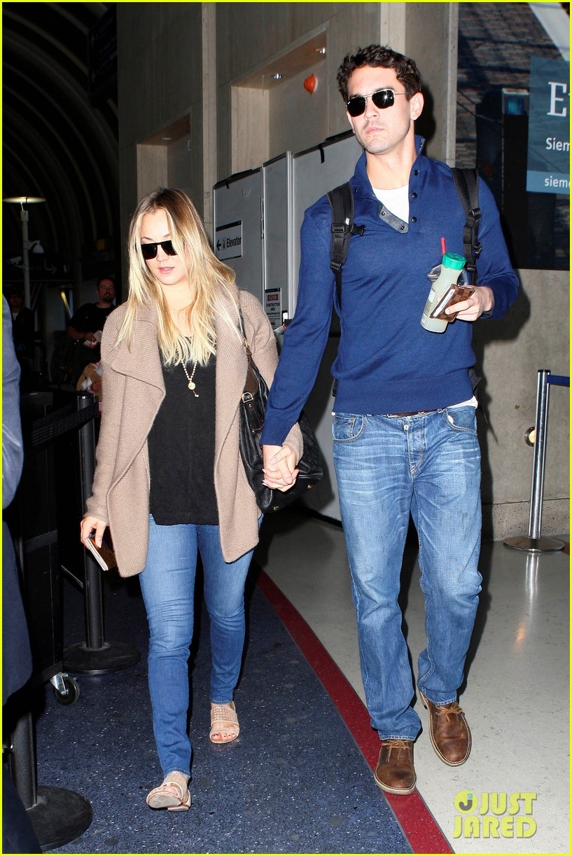 kaley cuoco sets wedding date before holiday with ryan sweeting 033001369