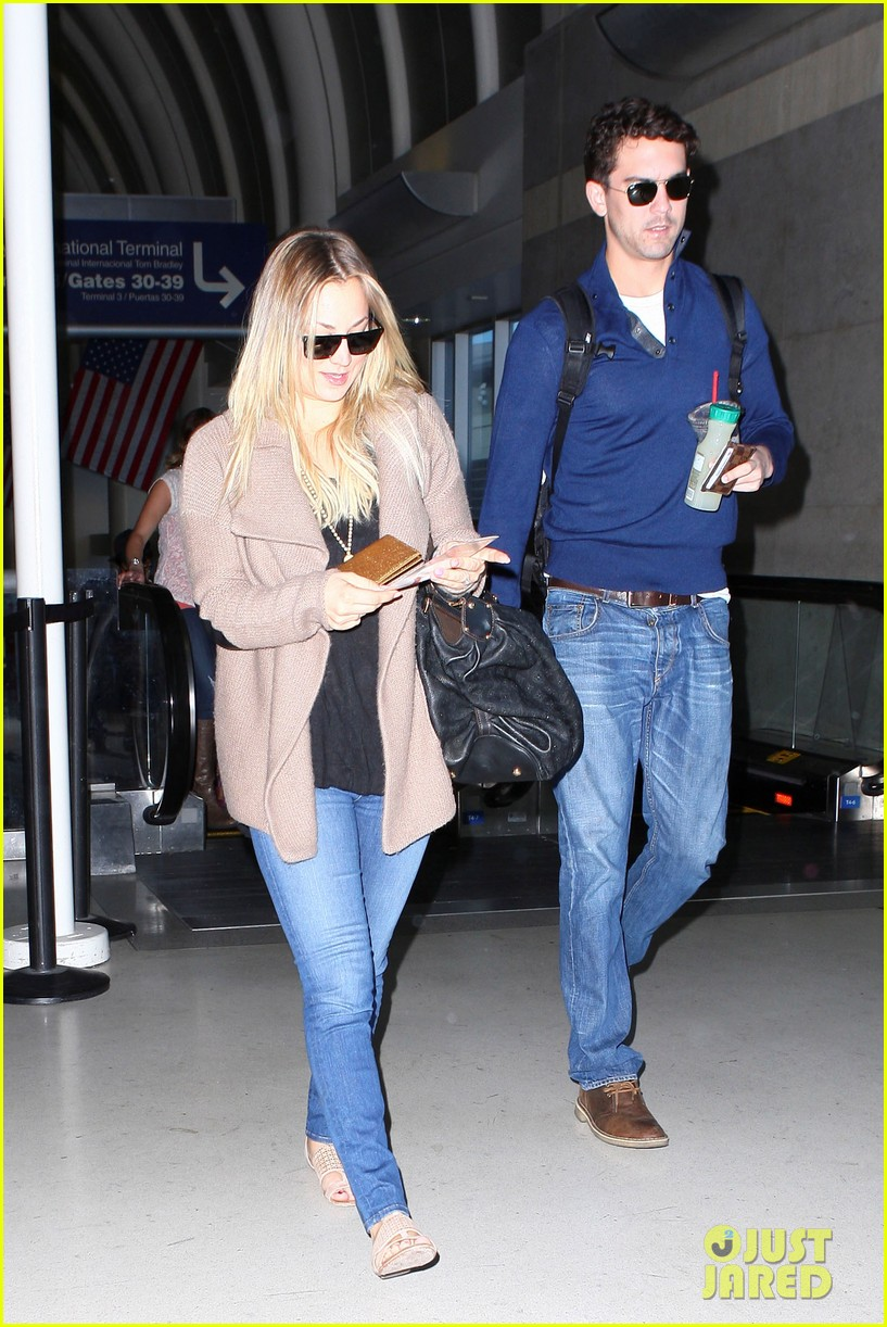 kaley cuoco sets wedding date before holiday with ryan sweeting 063001372