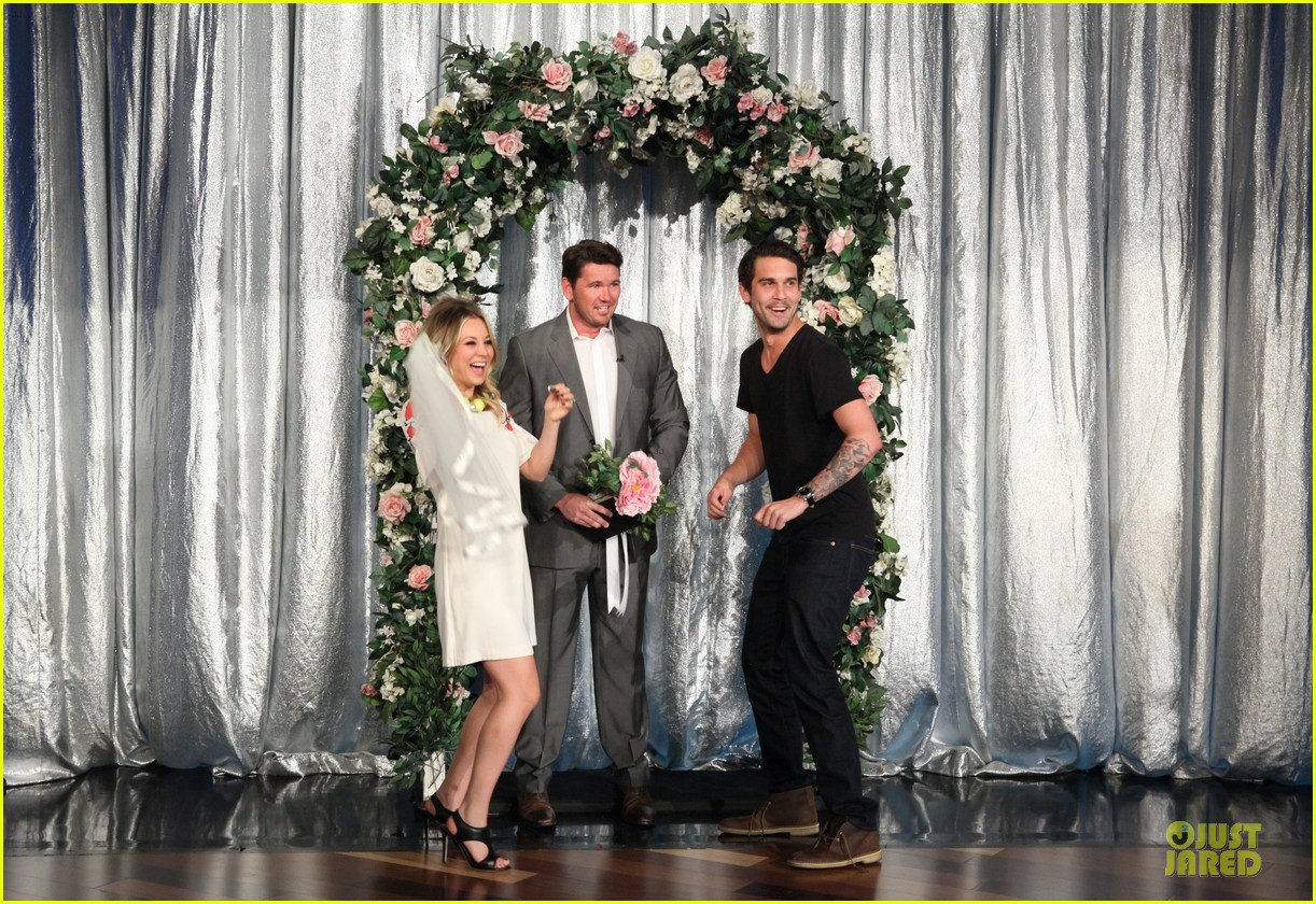 kaley cuoco fake wedding to ryan sweeting on ellen 032987367