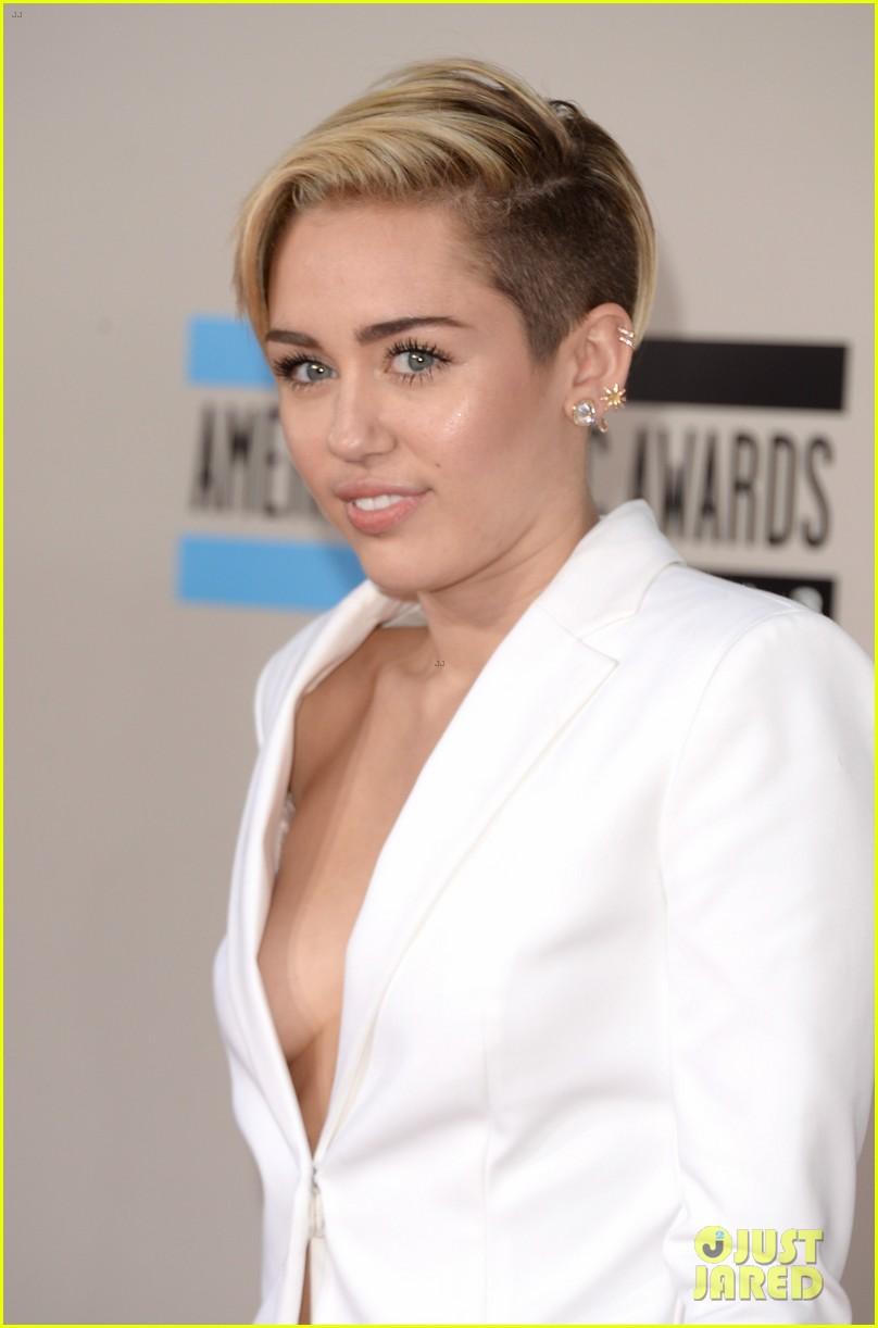 Miley Cyrus Red Carpet 2013