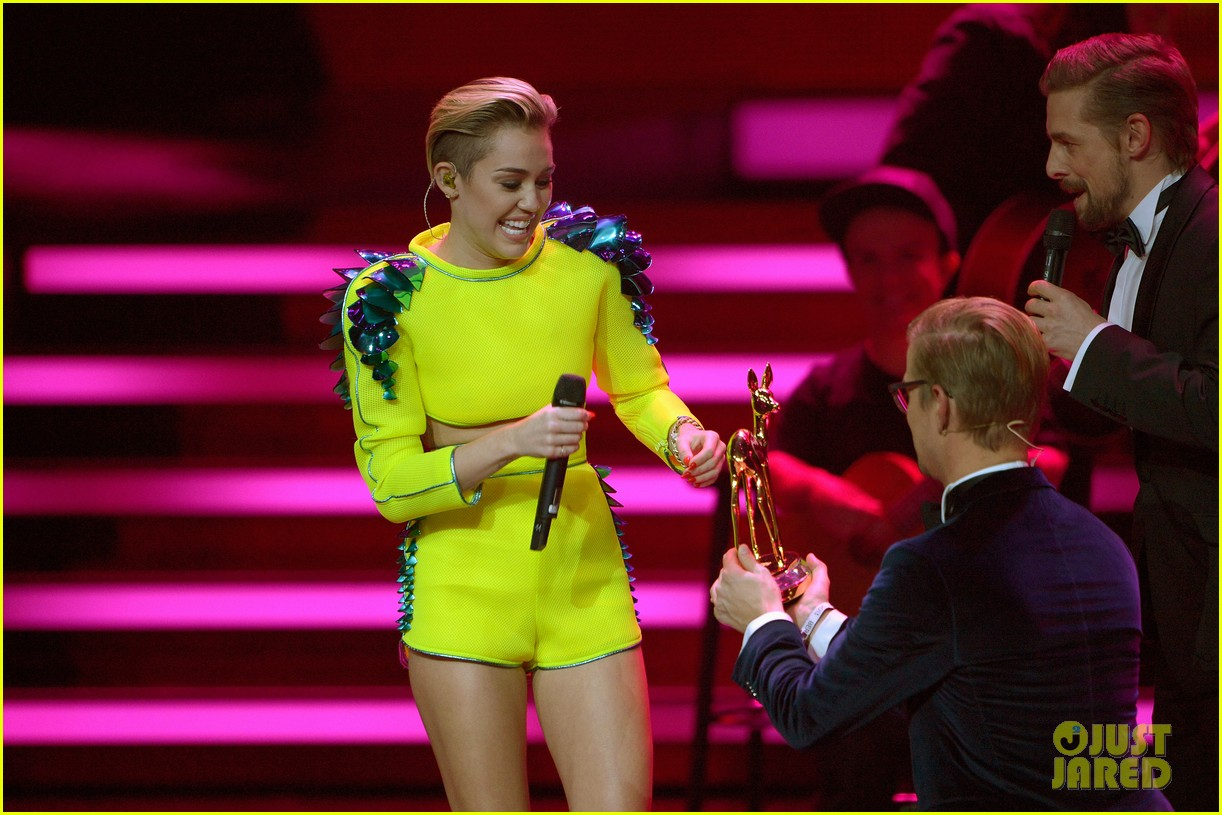 miley cyrus performs wrecking ball at bambi awards video 092992853