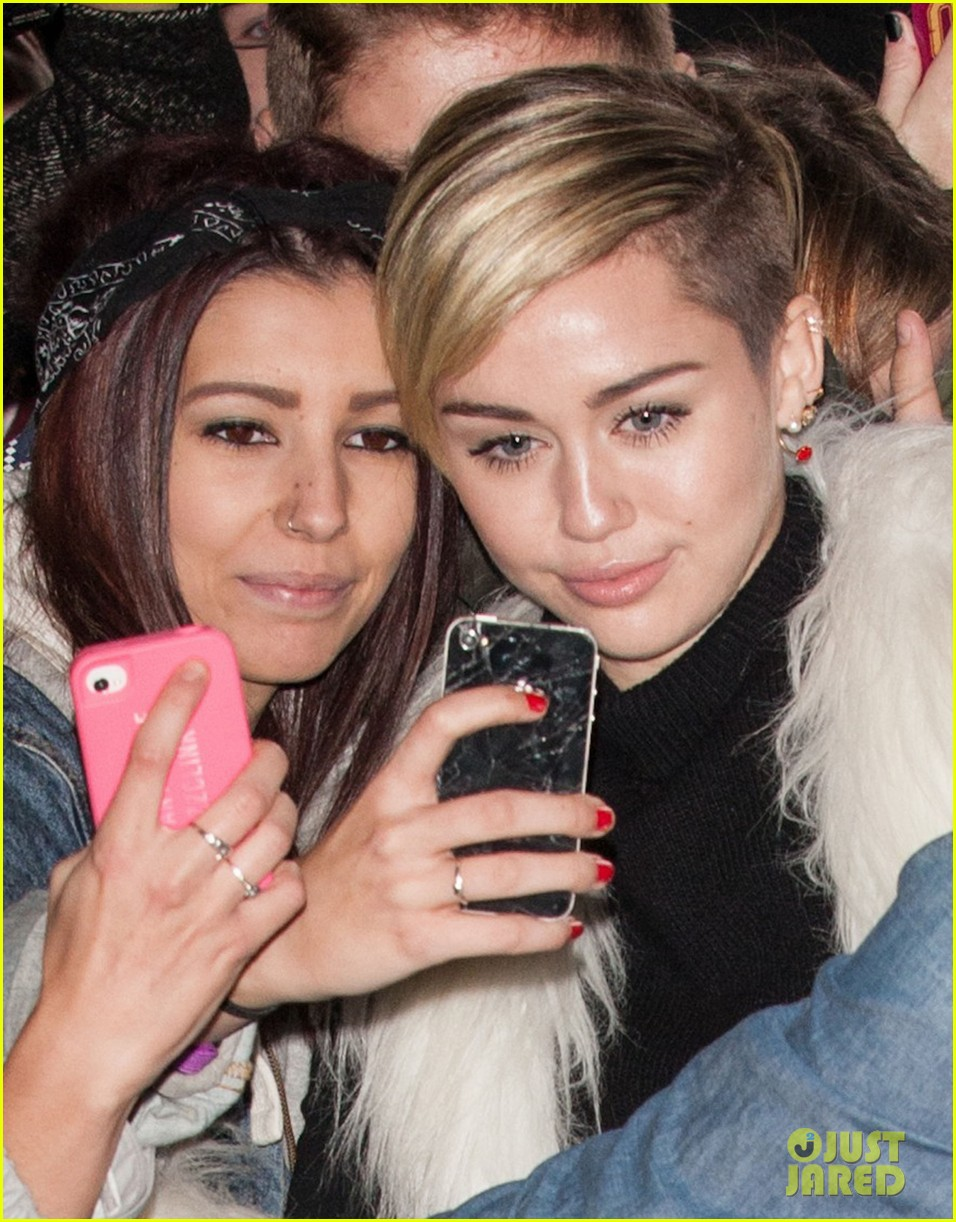 miley cyrus steps out after lighting blunt at mtv ema 2013 122990975
