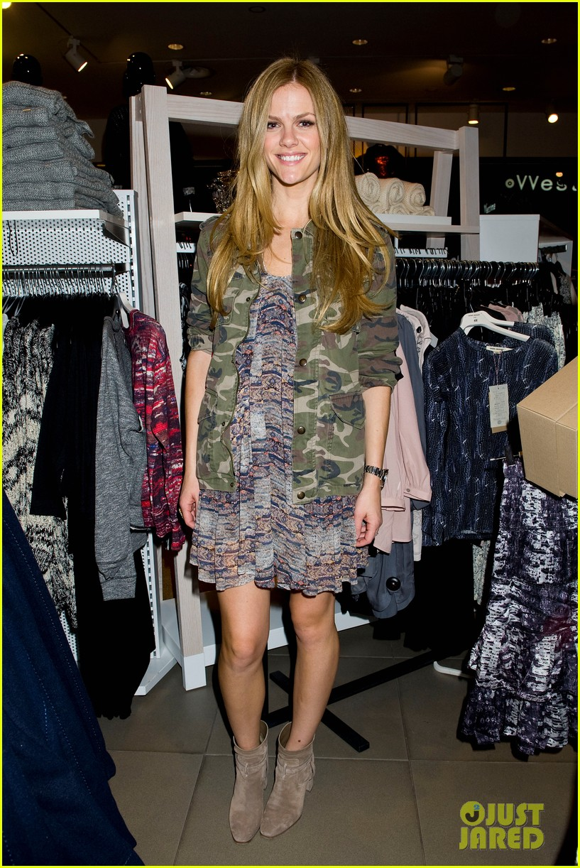 brooklyn decker sienna miller support isabel marant for hm 032991861