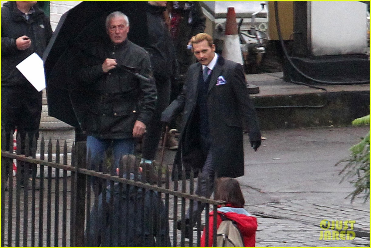 johnny depp mortdecai does great business at afm 022992967