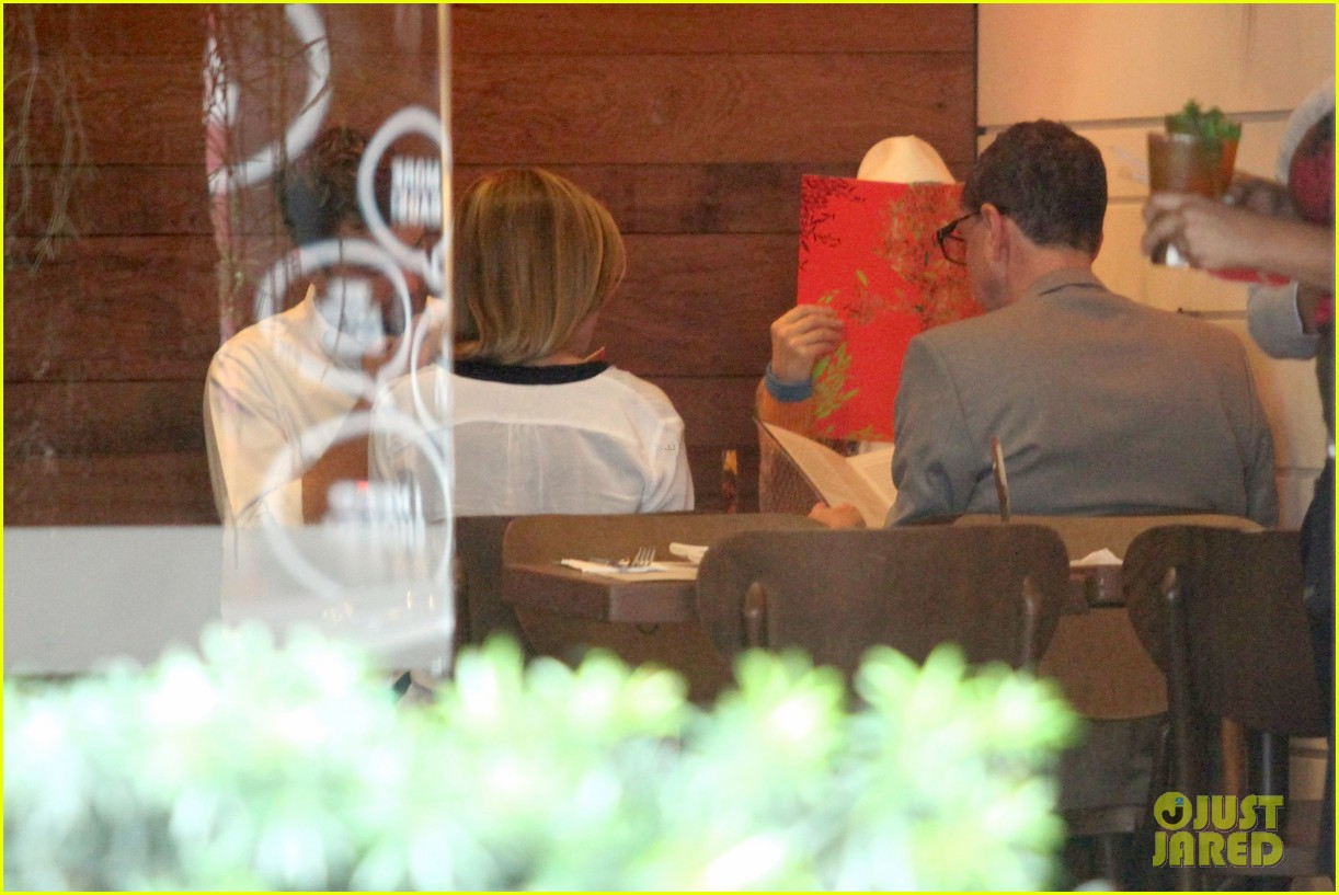 diane kruger joshua jackson lunch with pals in rio 02