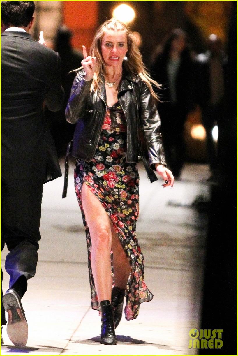 cameron diaz bobby cannavale keep in character for annie 072998694