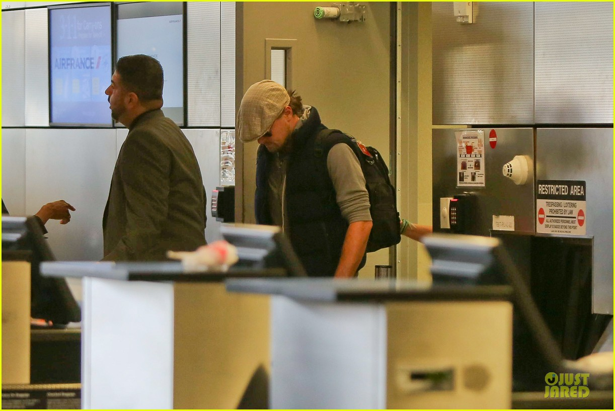 leonardo dicaprio lax departure after lacma art film gala 20