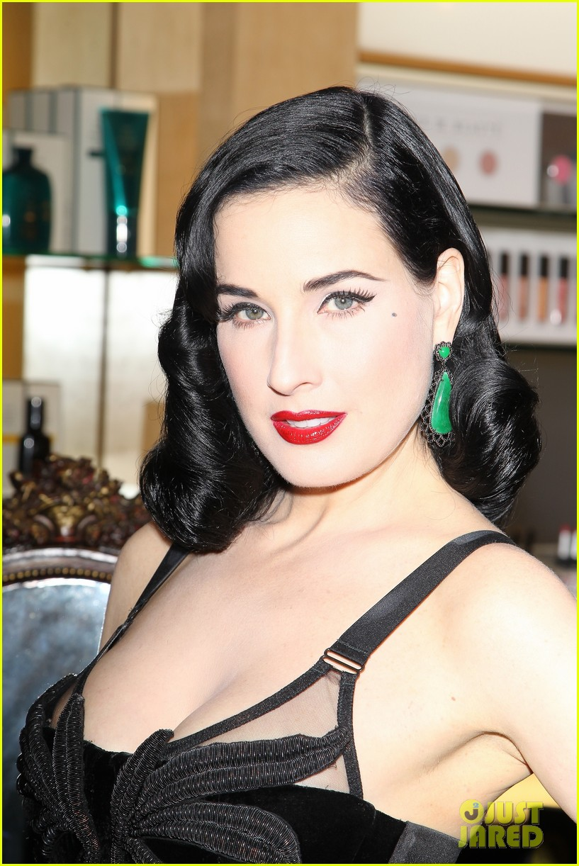 dita von teese erotique fragrance launch 022998065