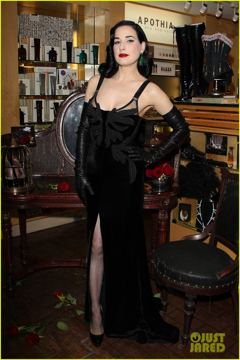 dita von teese erotique fragrance launch 032998066