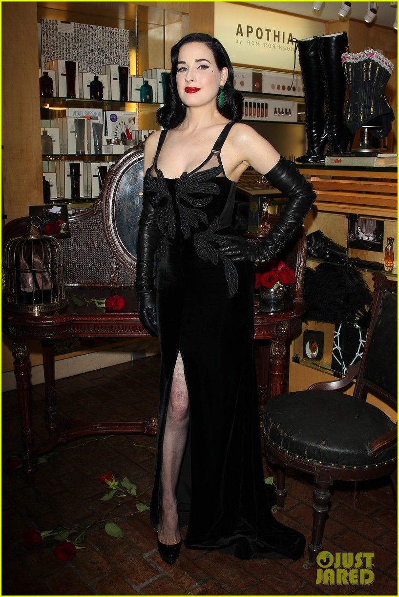 dita von teese erotique fragrance launch 092998072