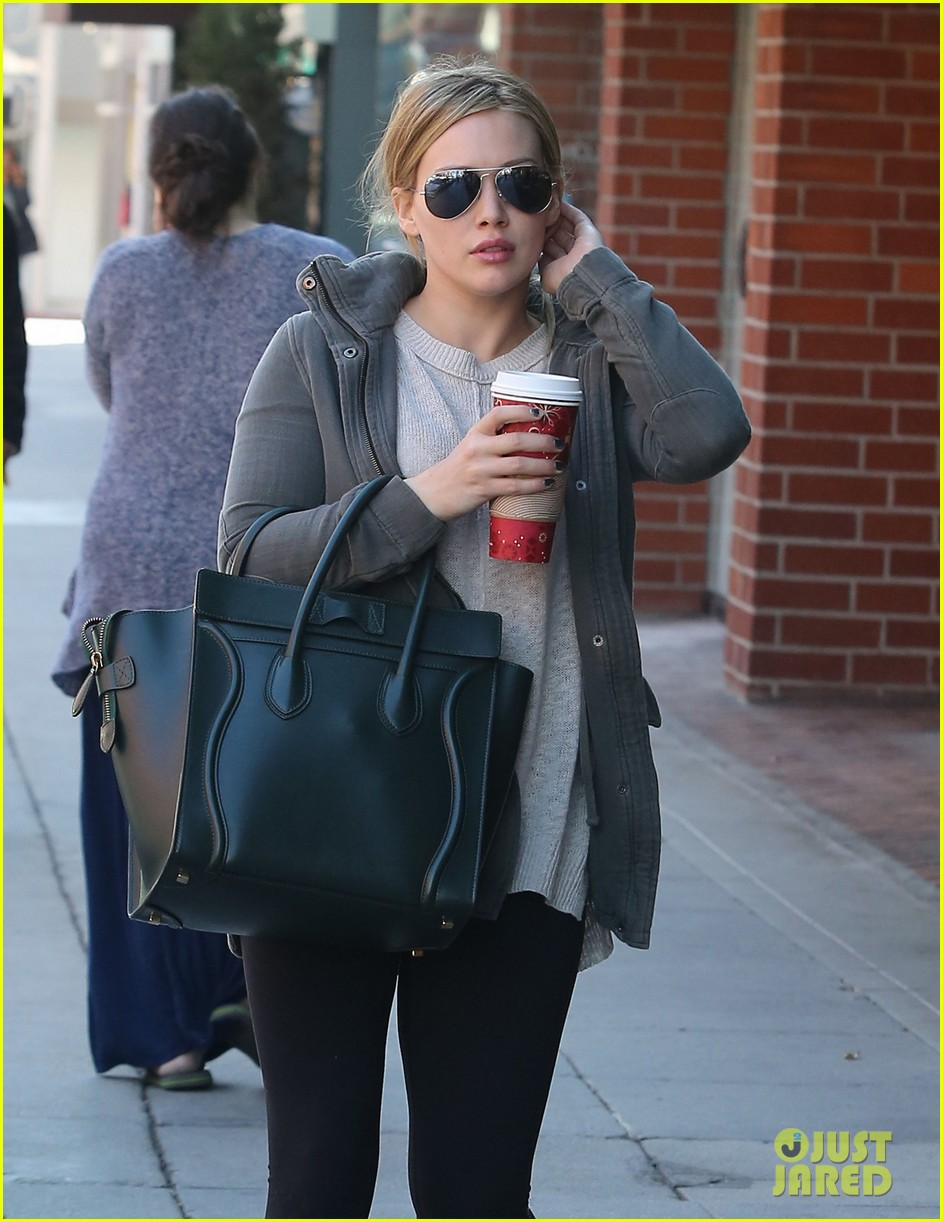 hilary duff asks fellow moms for sippy cup advice 043000642