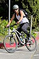 josh duhamel bares his biceps in muscle tank on bike ride 14