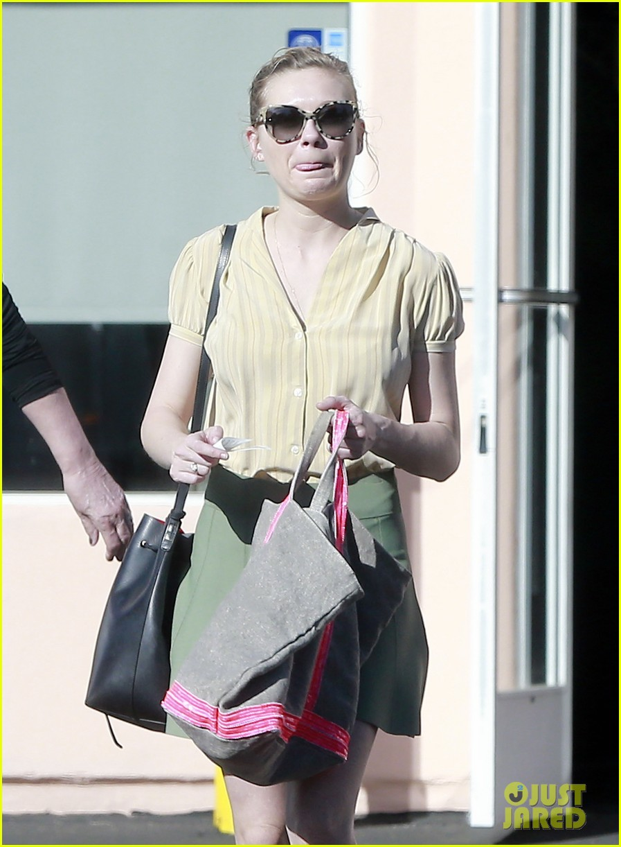 kirsten dunst mall visit with mom 042991579